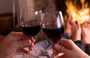 С какими болезнями помогает справиться вино?
