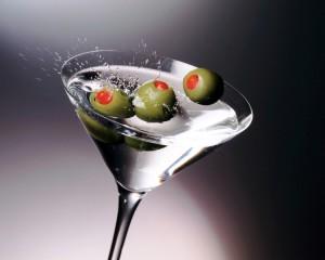 На фото - коктейль «Мартини», drinks.az