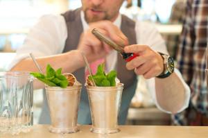 Трубочки для коктейлей – стильное дополнение или незаменимый аксессуар?