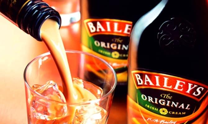 Коктейли с Бейлисом – самые яркие напитки ночных клубов