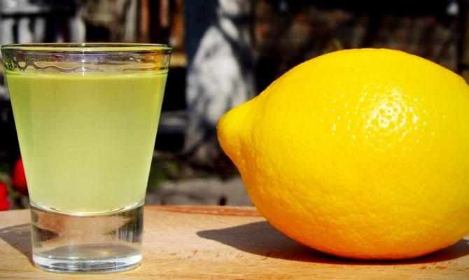 Фото приготовления лимонной настойки на спирту