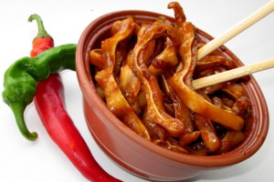 zharenye svinye ushi pivu recept 2 300x200 - Свиные уши к пиву – хрустящая закуска на любой вкус