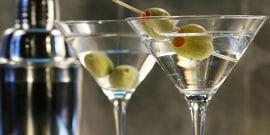 Коктейль мартини с водкой – смешать, но не взбалтывать