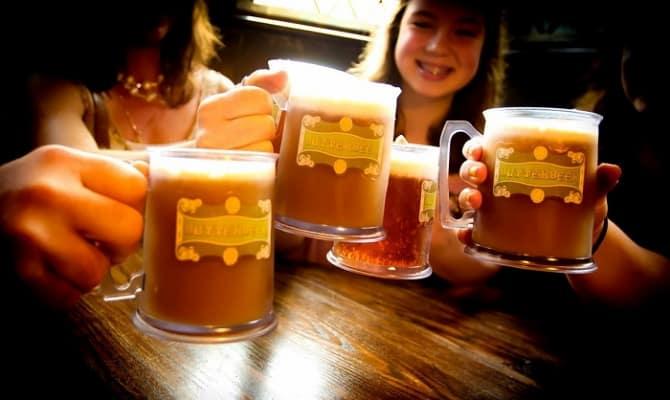На фото - сливочное пиво с пломбиром