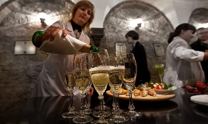 Русское шампанское – самая большая серия завода Абрау-Дюрсо