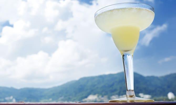 Коктейли с белым ромом – как создать кулинарный шедевр?