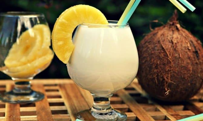 koktejli malibu likerom romom ananasovym sokom 3 - Коктейли с Малибу – свой домашний райский островок