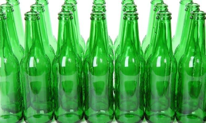 Стеклянные бутылки для хранения пива