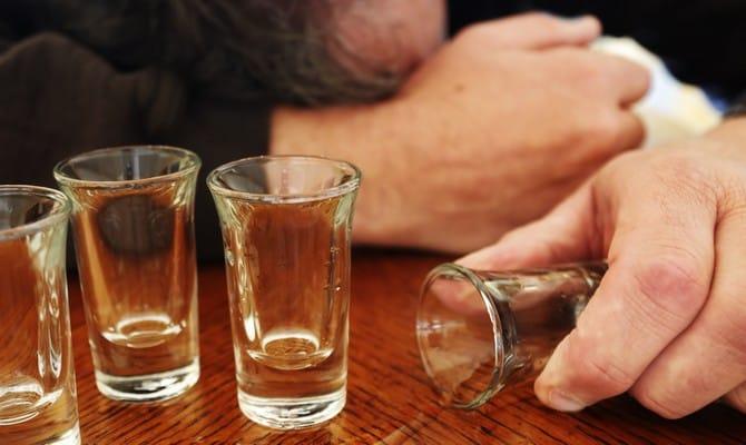 """Мужчина """"отключился"""" после выпитого"""