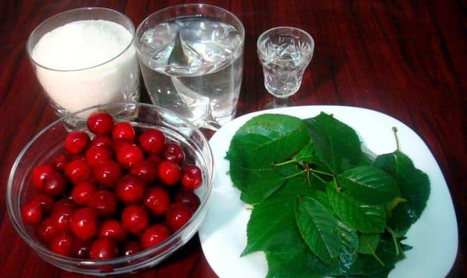 Вишневый ликер – творим ягодную феерию в домашних условиях