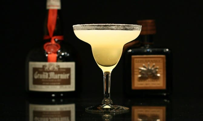 Как приготовить коктейль Клубничная Маргарита?