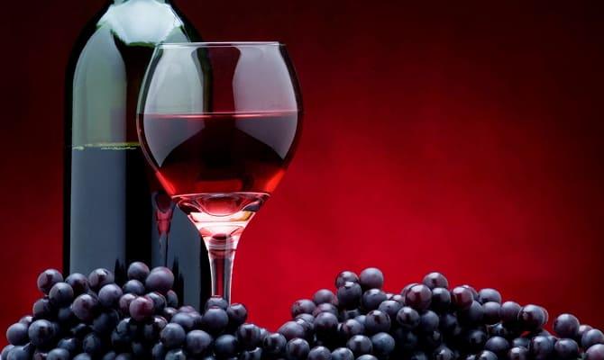 Красное вино – понижает или повышает давление?