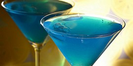 Как приготовить коктейль «Голубая лагуна»