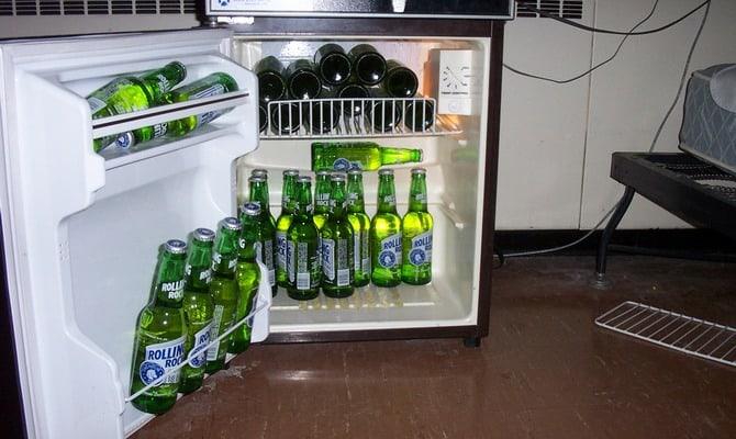 Мини-холодильник для пива