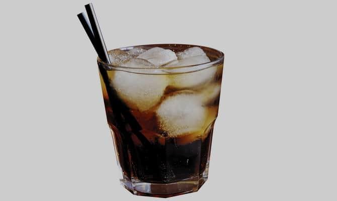 Коктейль Ром Кола – сногсшибательный вкус родом из Кубы