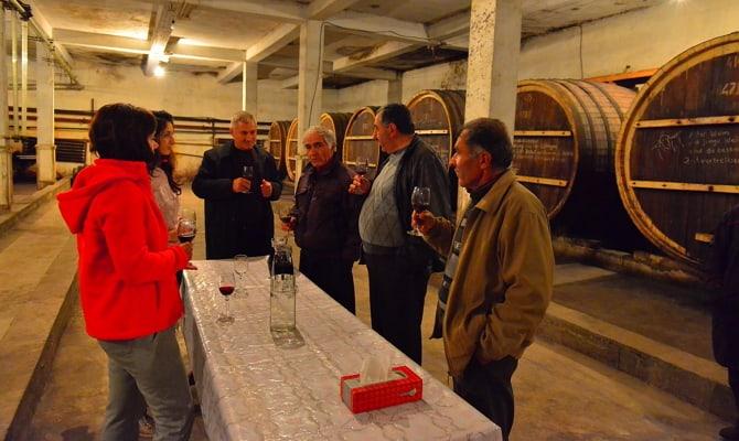 Выдерживание вина в деревянных бочках