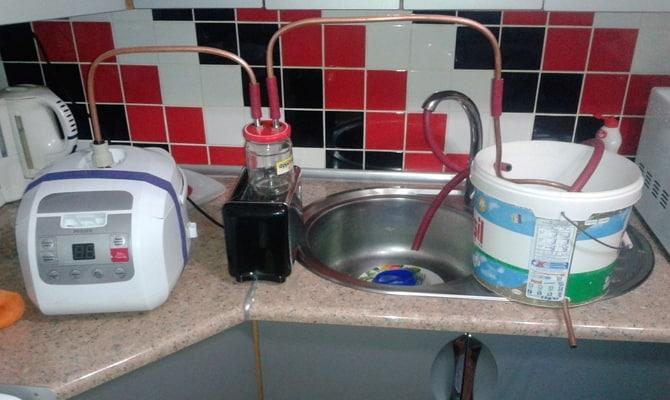samogonnyj apparat laboratornogo stekla 2 - Стеклянный самогонный аппарат – для любителей контроля над созданием алкоголя