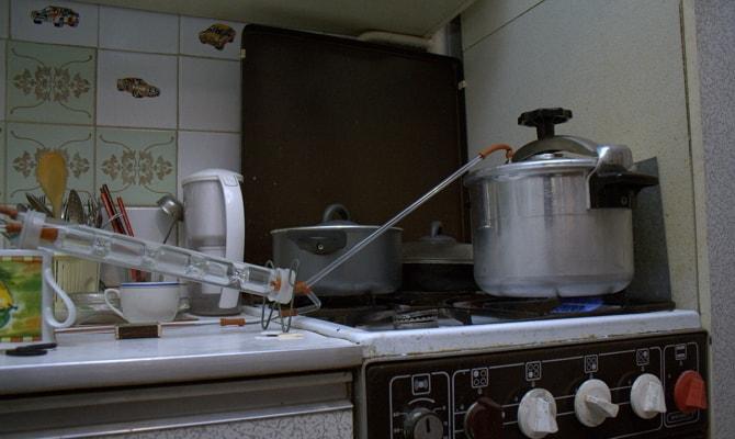 samogonnyj apparat laboratornogo stekla 3 - Стеклянный самогонный аппарат – для любителей контроля над созданием алкоголя