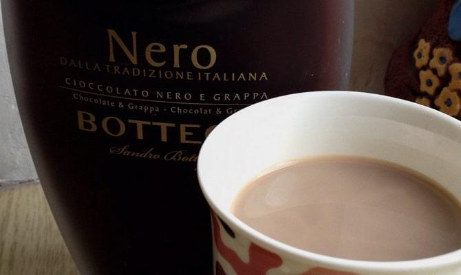 Как готовят и с чем пьют шоколадный ликер?