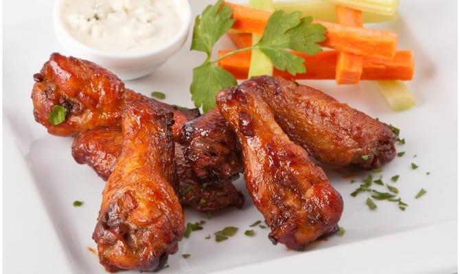 kurinye krylyshki k pivu 1 - Рецепты закусок: острые куриные крылышки к пиву