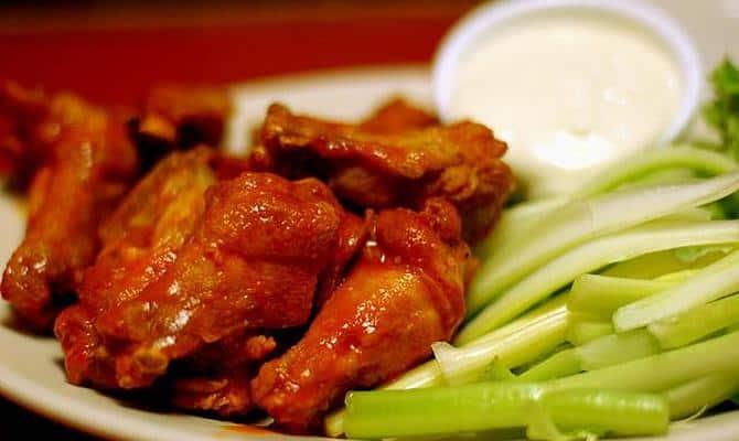 kurinye krylyshki k pivu 3 - Рецепты закусок: острые куриные крылышки к пиву