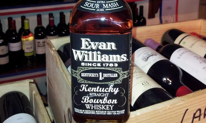 Ассортимент виски evan williams