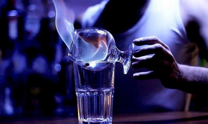 Горящая Самбука: как пить и готовить?