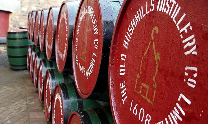 Из чего состоят этапы производства виски и каковы разновидности спиртного напитка?
