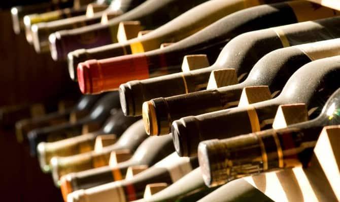 Как хранить домашнее белое и красное вино?