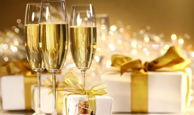 Какими должны быть фужеры для шампанского?