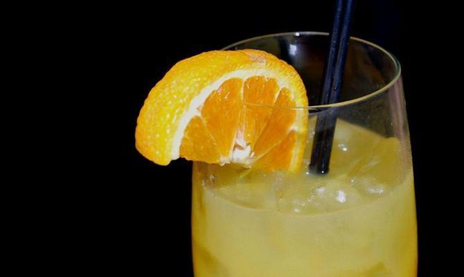Использование апельсинового или гранатового сока