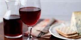 Как можно осветлить домашнее виноградное вино?