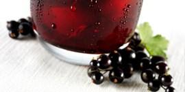 Как приготовить домашнее вино из черной и красной смородины?