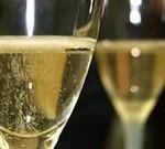 Можно ли беременным женщинам пить шампанское?