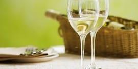 Выбираем качественное белое сухое вино