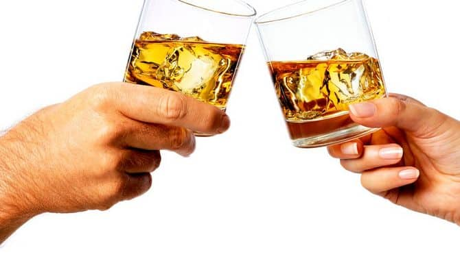 Как пьют виски