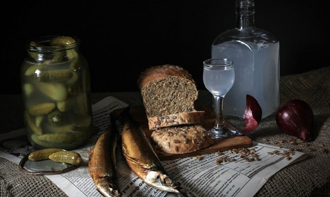 Посуда для водки: стопка или стакан
