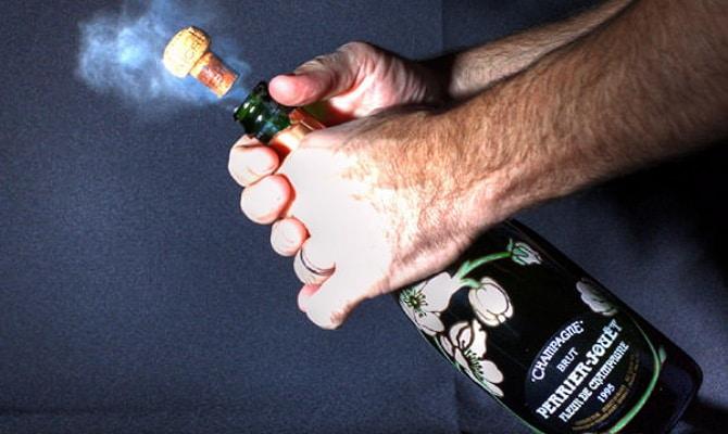 Самостоятельно как открыть шампанское правильно?