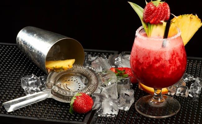 Вкус лета: водка XuXu с клубникой