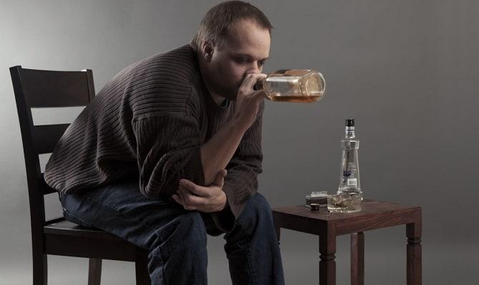 Почему мужчина пьет?
