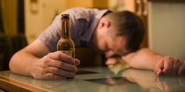 Как вести себя с алкоголиком — универсальные рекомендации в общении