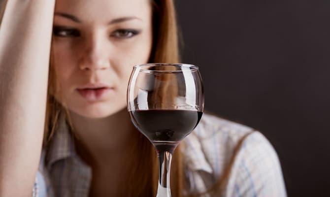 Признаки алкогольной зависимости – когда бить тревогу?