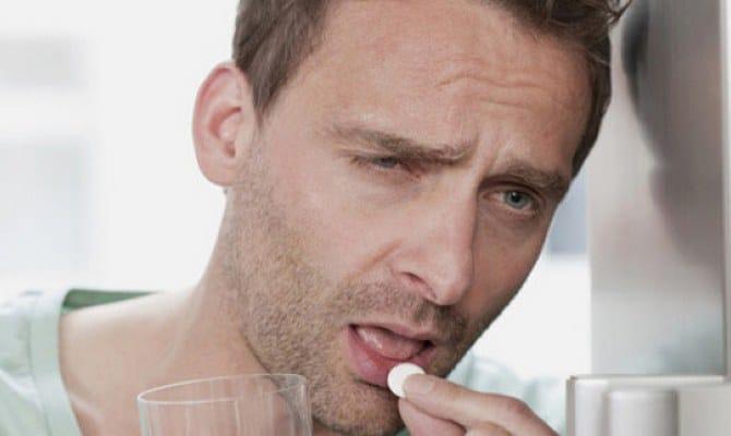 Как быстро избавиться от похмелья дома – медикаменты или народные методы?