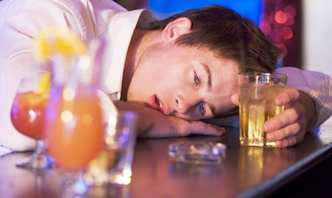 Как избавиться от ответственности за алкоголизм супруга?