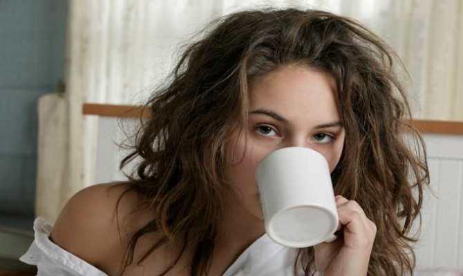 С утра, после похмелья, может ощущаться сухость во рту