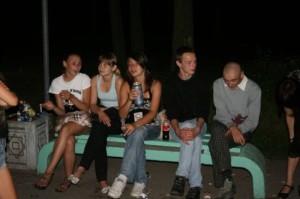 На фото - вред алкоголя для подросткового организма, dezinfo.net
