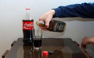 Фото виски с колой, ru.wikihow.com
