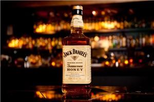 На фото - виски Jack Daniels Tennessee Honey, alcostore.com.ua