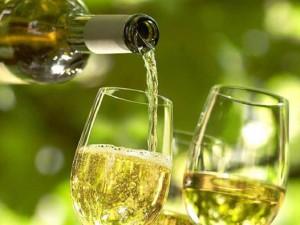 Фото белого сухого грузинского вина, vk.com