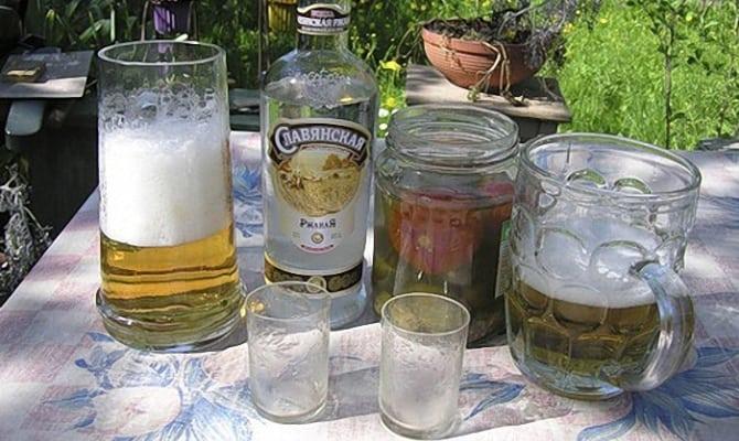 Приготовление коктейля Ёрш